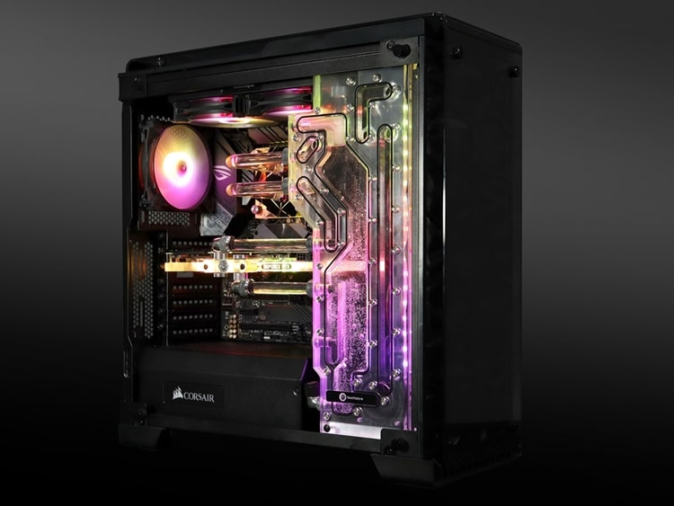 Corsair Crystal Series 570X with Bitspower Touchaqua Sedna water cooling kit.