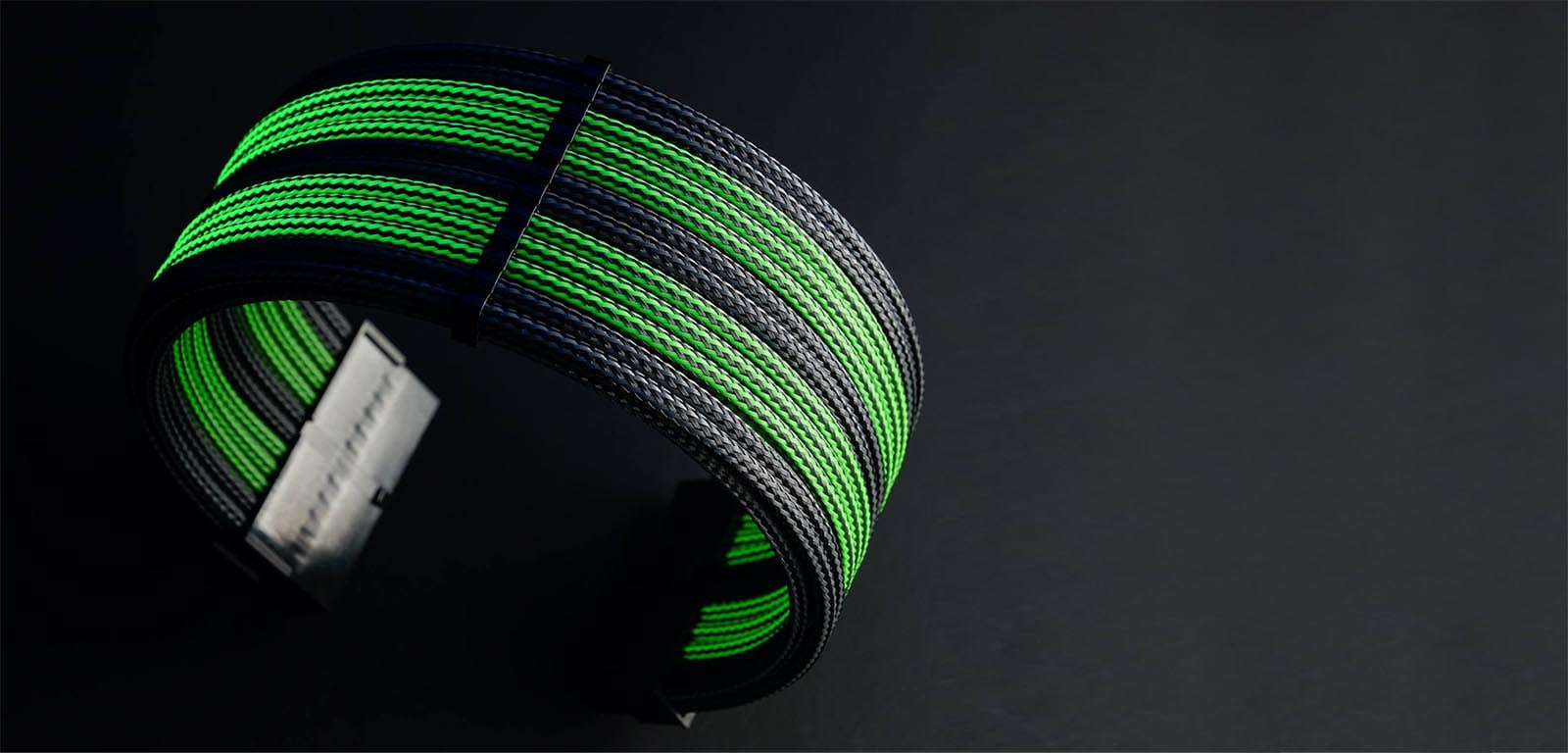 uv reactive mdpc-x cable sleeving on mod-one custom pc cables